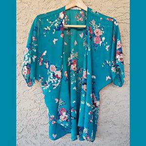 Floural kimono..